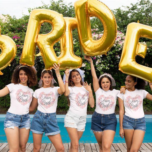 Tricouri Team Bride petrecerea burlăciţelor, cu inimă din flori