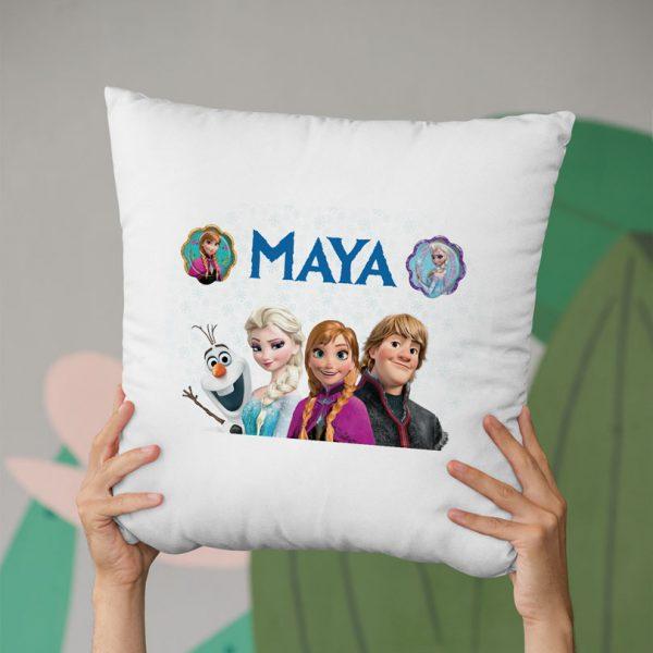 Pernă personalizată cu Elsa, cadoul perfect în 6 variante