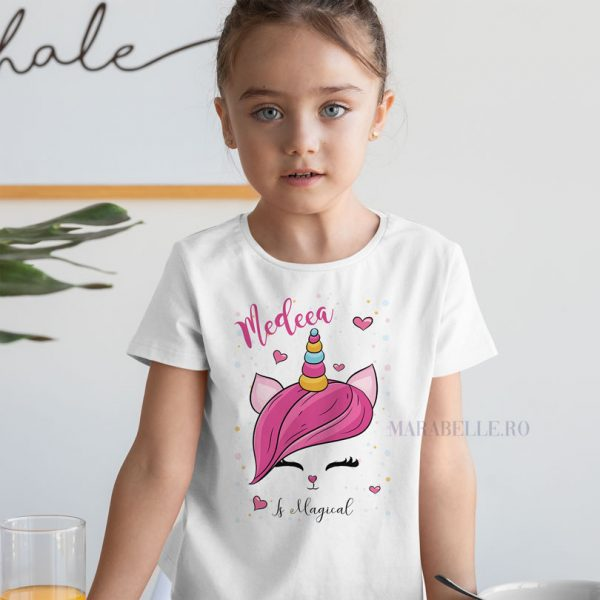 Tricou personalizat Is Magical, pentru fetiţe