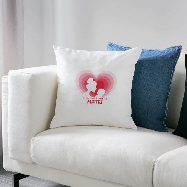Pernă personalizată cu nume Unconditional Love