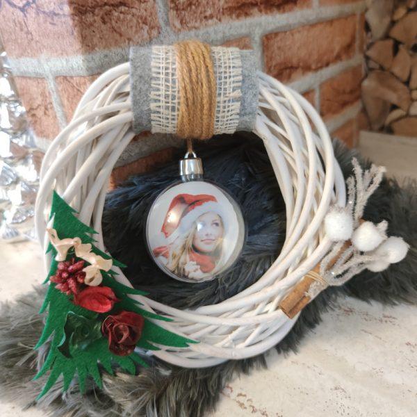 Glob personalizat în decor coroniţă pentru Crăciun